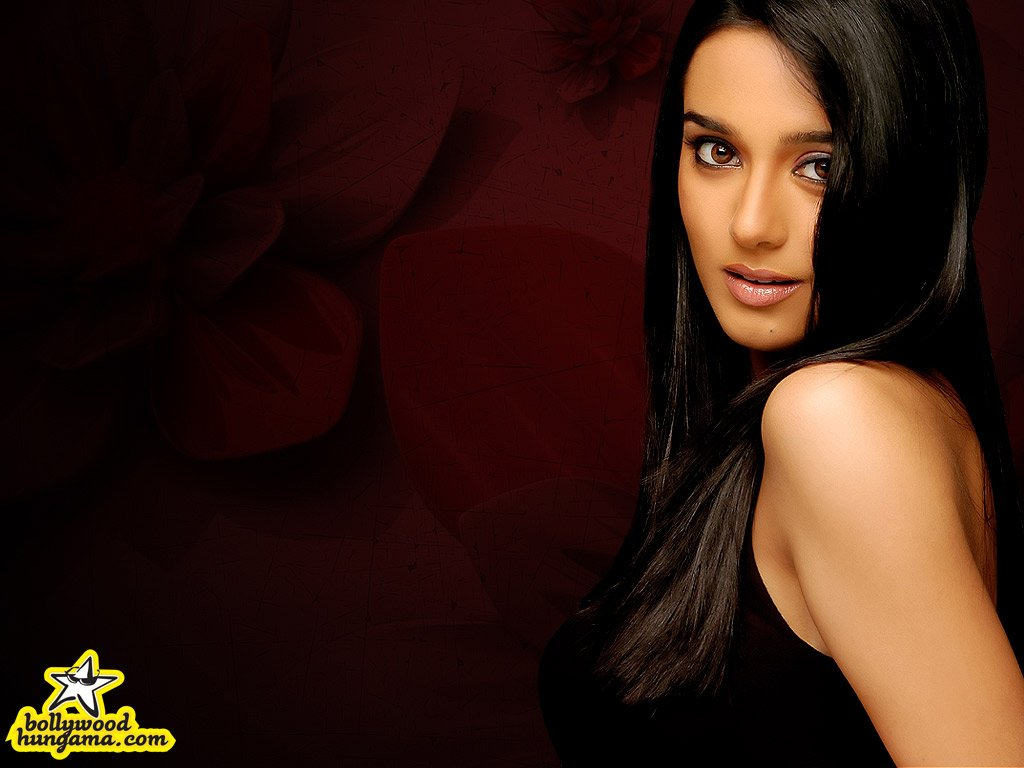 Amrita Rao - Wallpaper Gallery