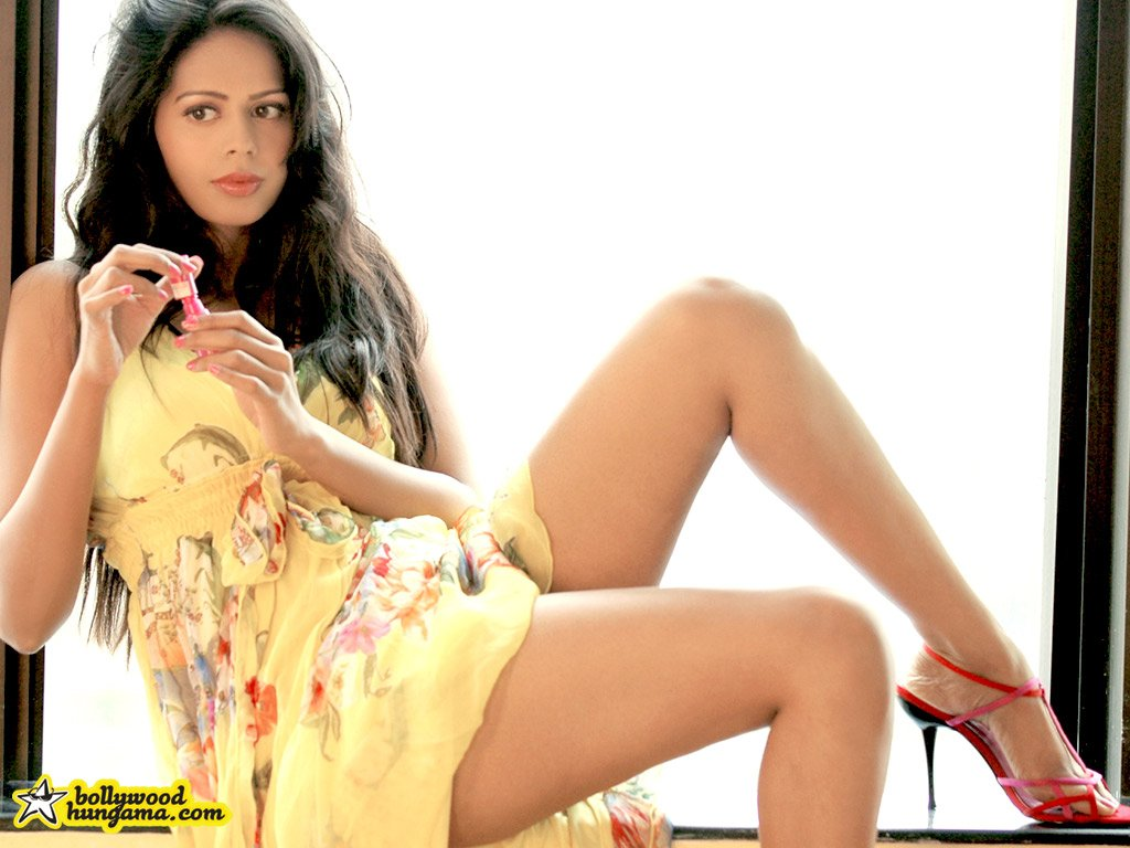Hot Wallpapers Bollywood