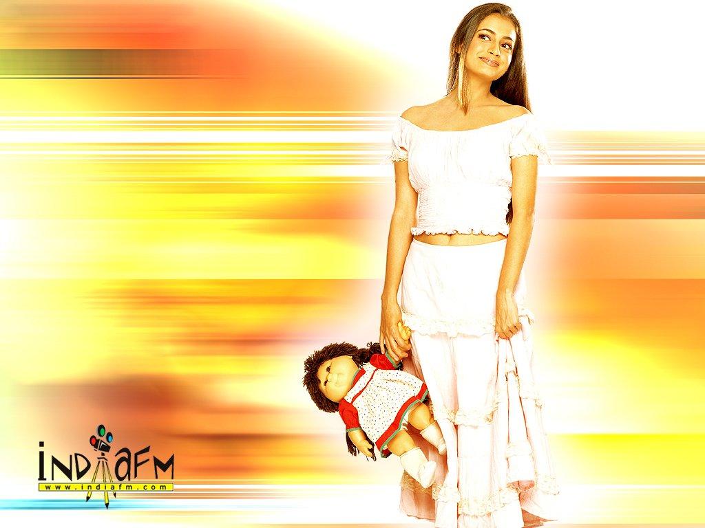 http://i.indiafm.com/posters/diyamirza/diya26.jpg