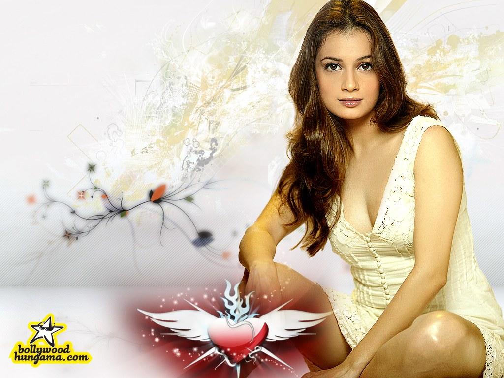 http://i.indiafm.com/posters/diyamirza/diya41.jpg