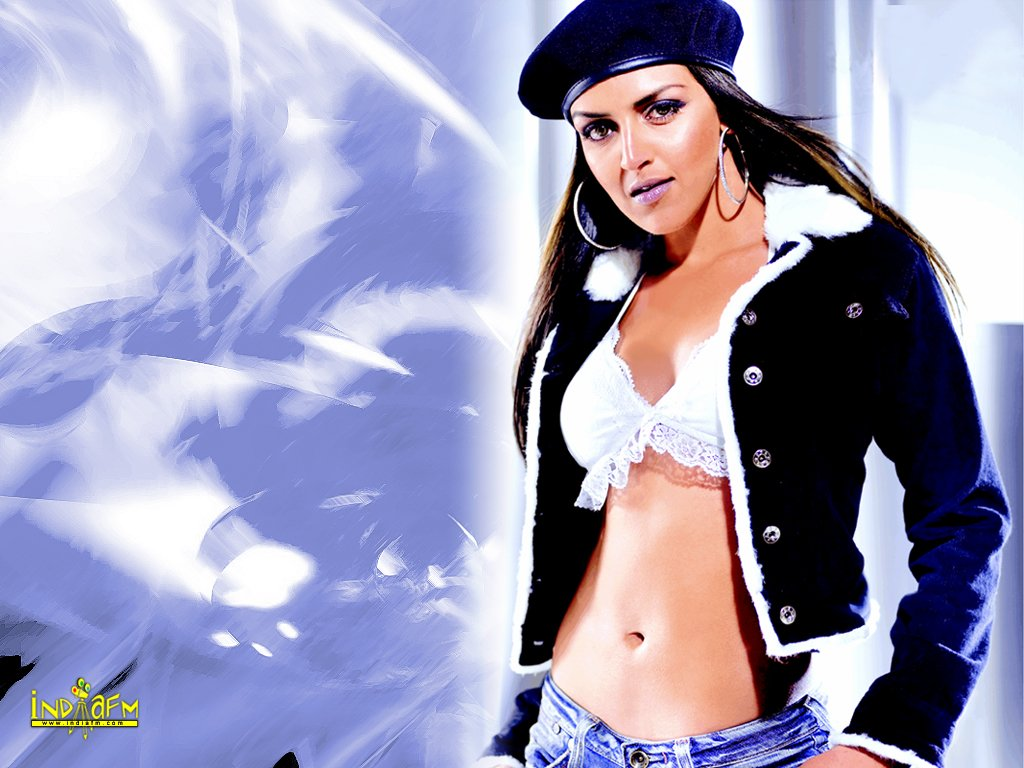 Labels: Esha Deol pictures images photos gallery, Esha Deol Wallpapers,