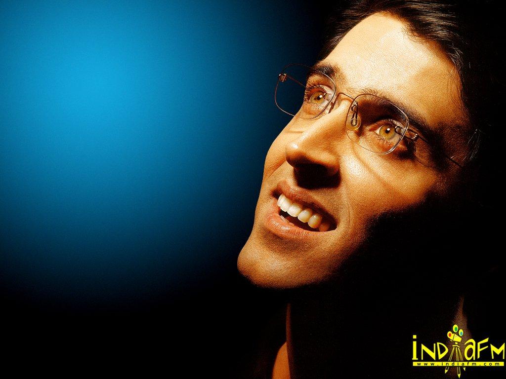 صور ممثلين الهند hrithik98.jpg
