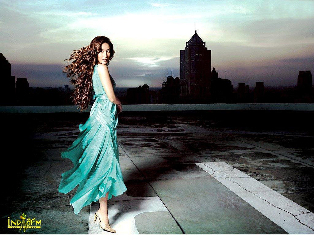 Kareena Kapoor Kareena100