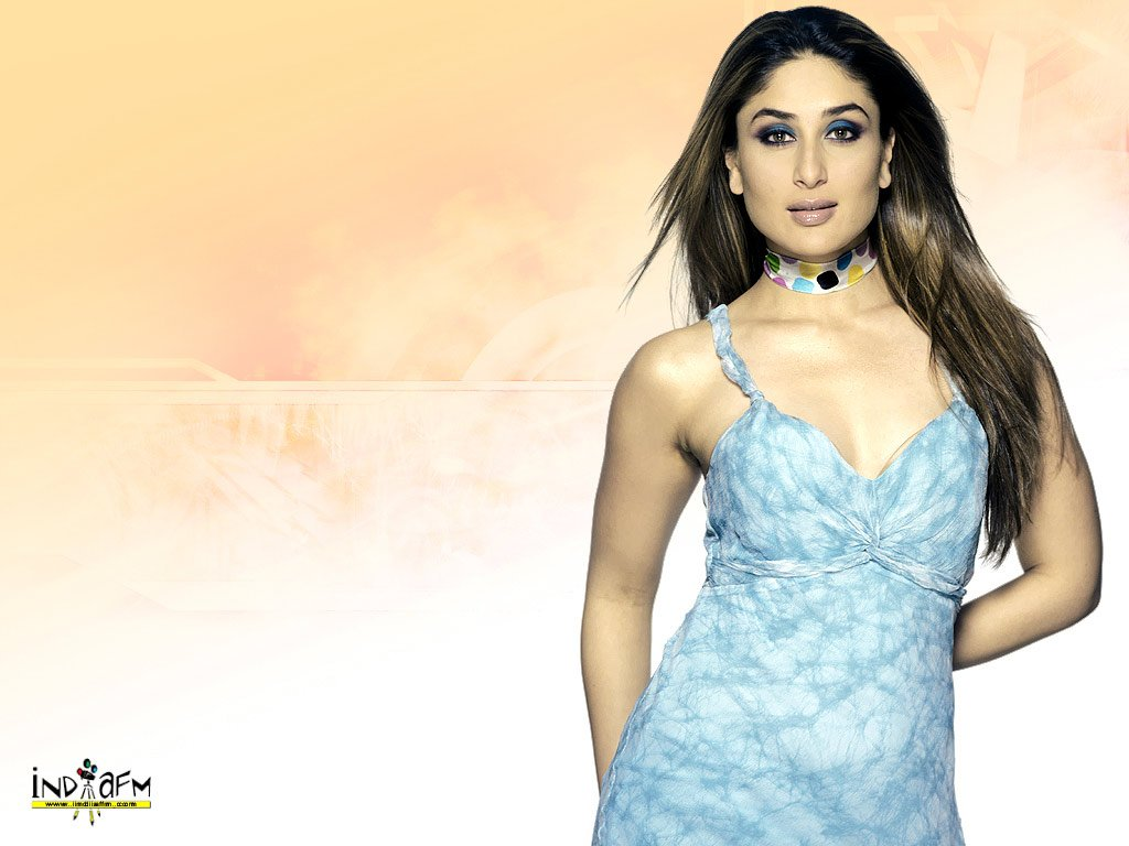 Kareena Kapoor 01 – Bollywood Actress Wallpaper