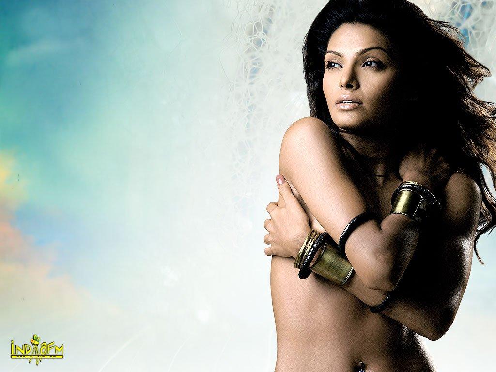Sherlyn Chopra topless nude