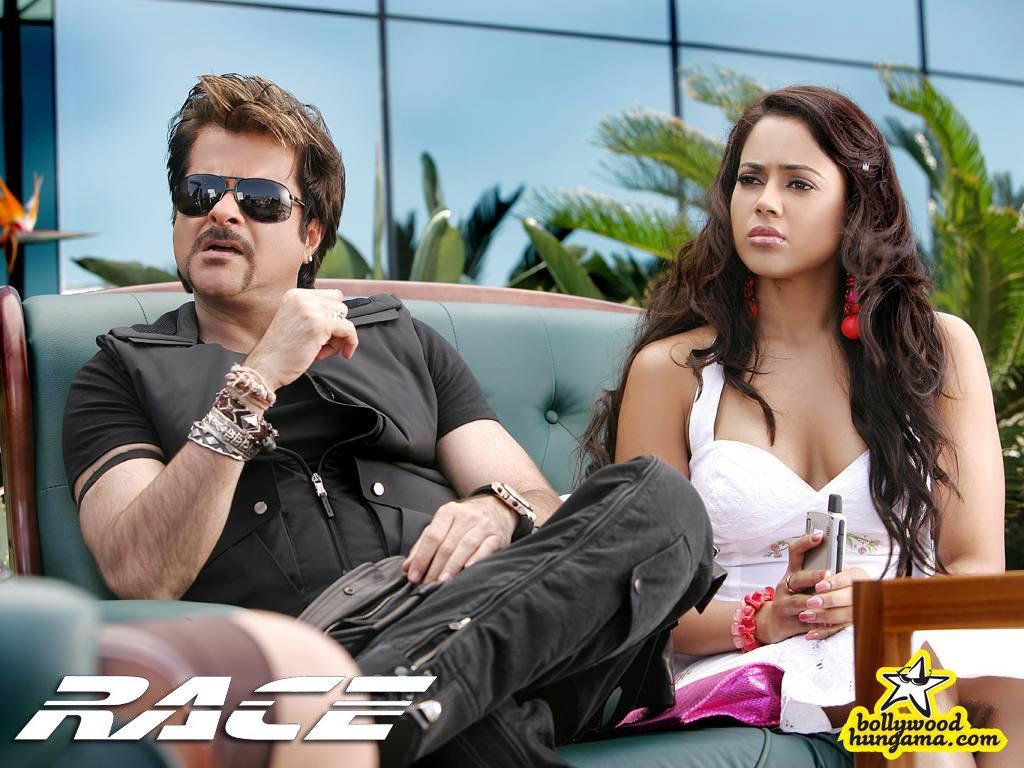 http://i.indiafm.com/posters/movies/08/race/still9.jpg