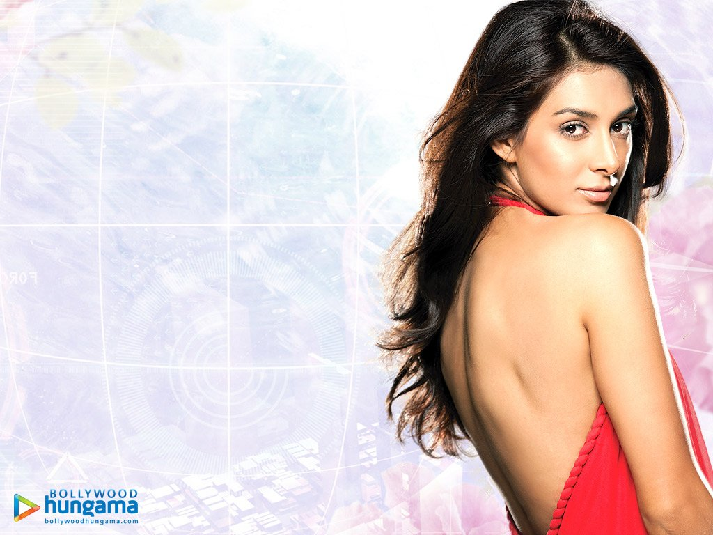 http://i.indiafm.com/posters/preetidesai/preeti18.jpg