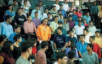 Munnabhai MBBS, Sanjay Dutt, Gracy Singh, Arshad Warsi ...