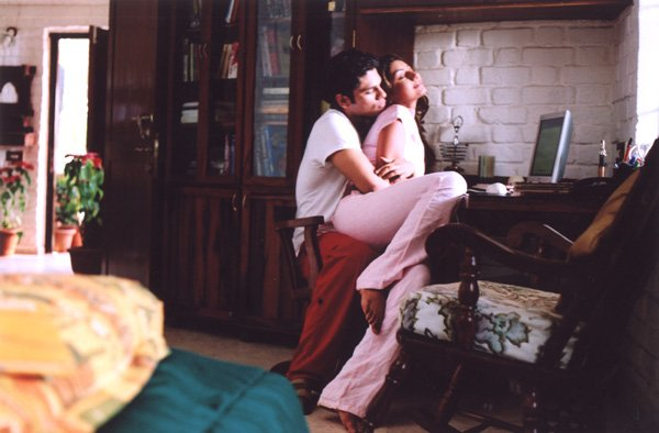 Anjaan movie 2005 online dating 2
