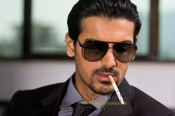 No Smoking, John Abraham, Ranvir Shorey, Joy Fernandes, Ayesha Takia, Kiku Sharda, Paresh Rawal, Jessy Randhawa, Sanjay Singh, Bipasha Basu, Saif Ali Khan,