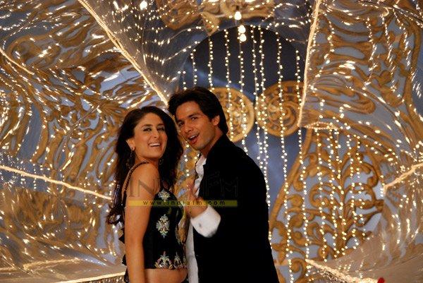 Jab We Met, Kareena Kapoor, Shahid Kapoor, Dara Singh, Kiran Juneja, Saumya Tandon