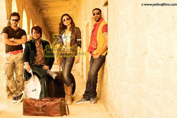 http://i.indiafm.com/stills/07/tashan/still19.jpg
