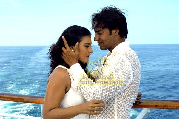 http://i.indiafm.com/stills/07/umeaurhum/still58.jpg