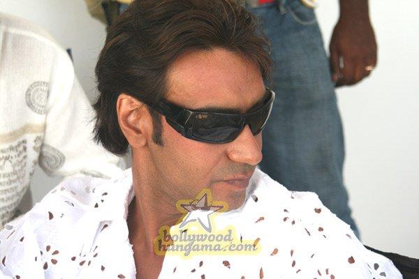http://i.indiafm.com/stills/07/umeaurhum/still60.jpg