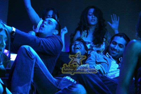 http://i.indiafm.com/stills/07/umeaurhum/still86.jpg