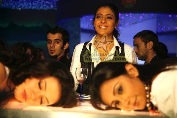 http://i.indiafm.com/stills/07/umeaurhum/still87.jpg