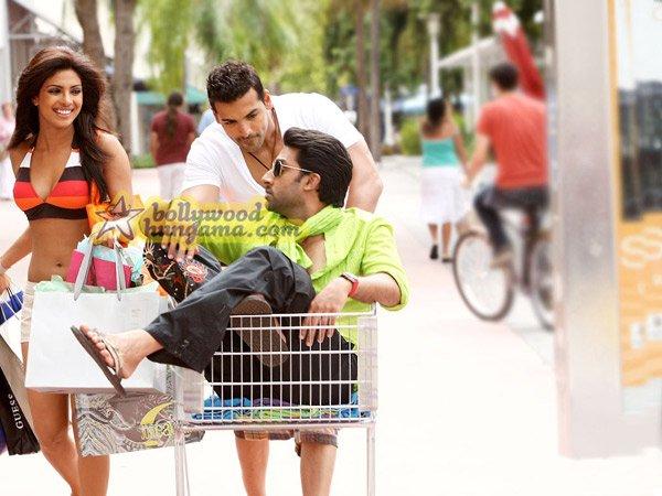 http://i.indiafm.com/stills/08/dostana/still31.jpg