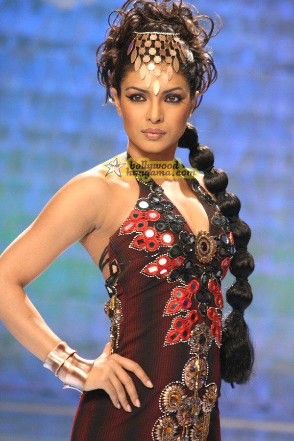 Fashion, Mugdha Godse,Priyanka Chopra,Kangna Ranaut,Arbaaz Khan,Harsh Chhaya,Madhur Bhandarkar,Karan Johar,Manish Malhotra,