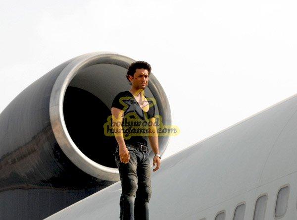Hijack, Shiney Ahuja,K K Raina,Mona Ambegaonkar,Kaveri Jha,Esha Deol,