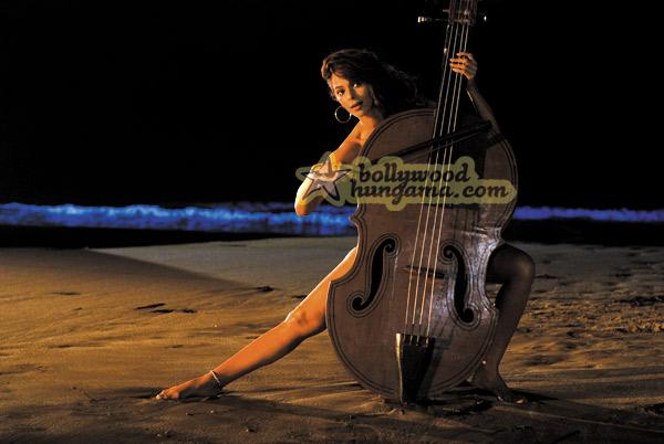 Маллика Шерават / Mallika Sherawat Still28