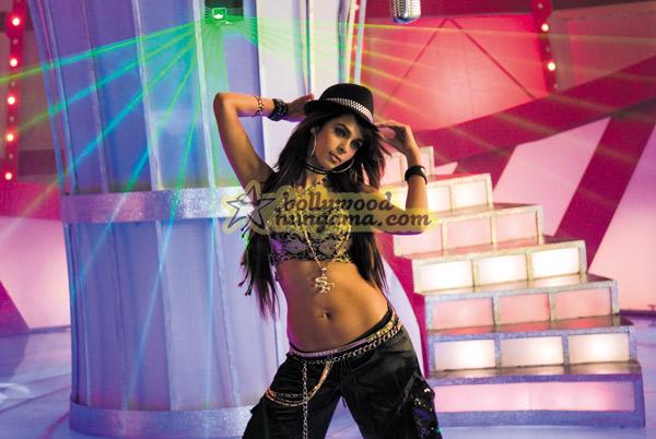 Маллика Шерават / Mallika Sherawat Still32