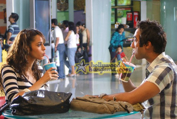 Маллика Шерават / Mallika Sherawat Still27