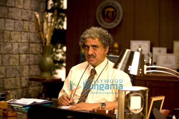 3 Idiots, Aamir Khan,Kareena Kapoor,R Madhavan,Sharman Joshi,Boman Irani,Mona Singh,Parikshat Sahni,Javed Jaffrey,Akhil Mishra,Rahul Kumar,