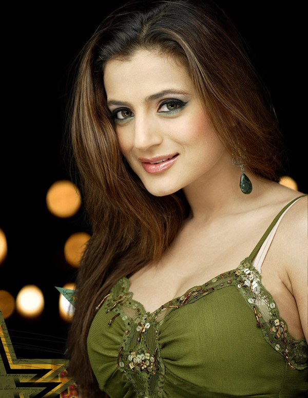Amisha Patel sexy Indian Bollywood actress