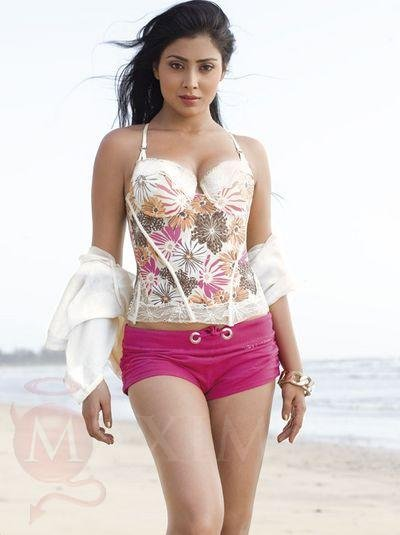 latest bollywood wallpapers. Latest Bollywood Wallpapers